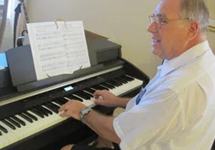 piano seniors