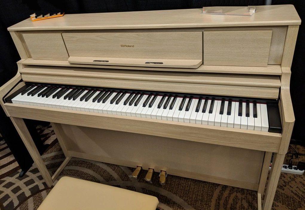Roland LX705 Digital Piano