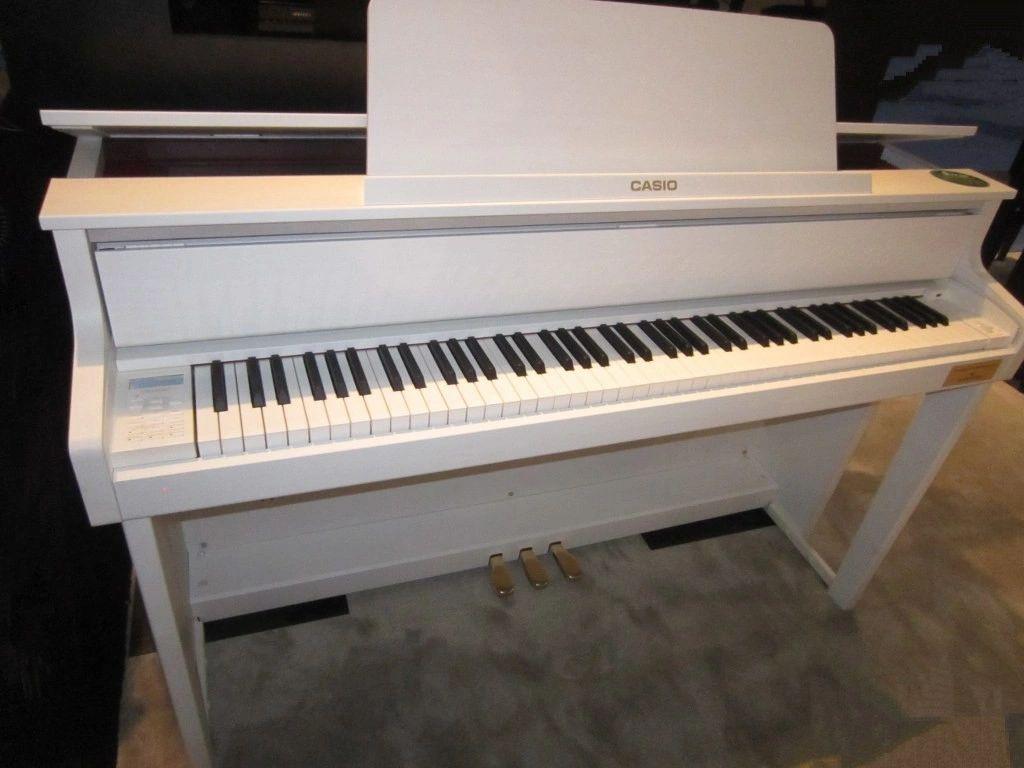 Casio GP-310 digital piano