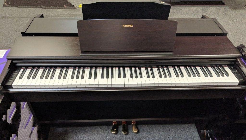 Yamaha YDP-144 piano