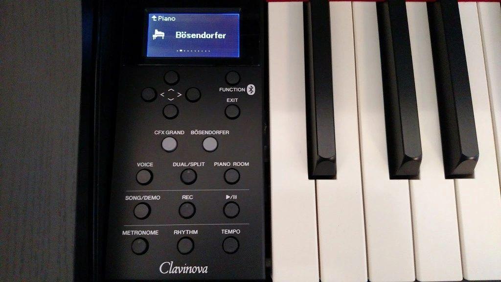 Yamaha CLP-735/745 control panel interface