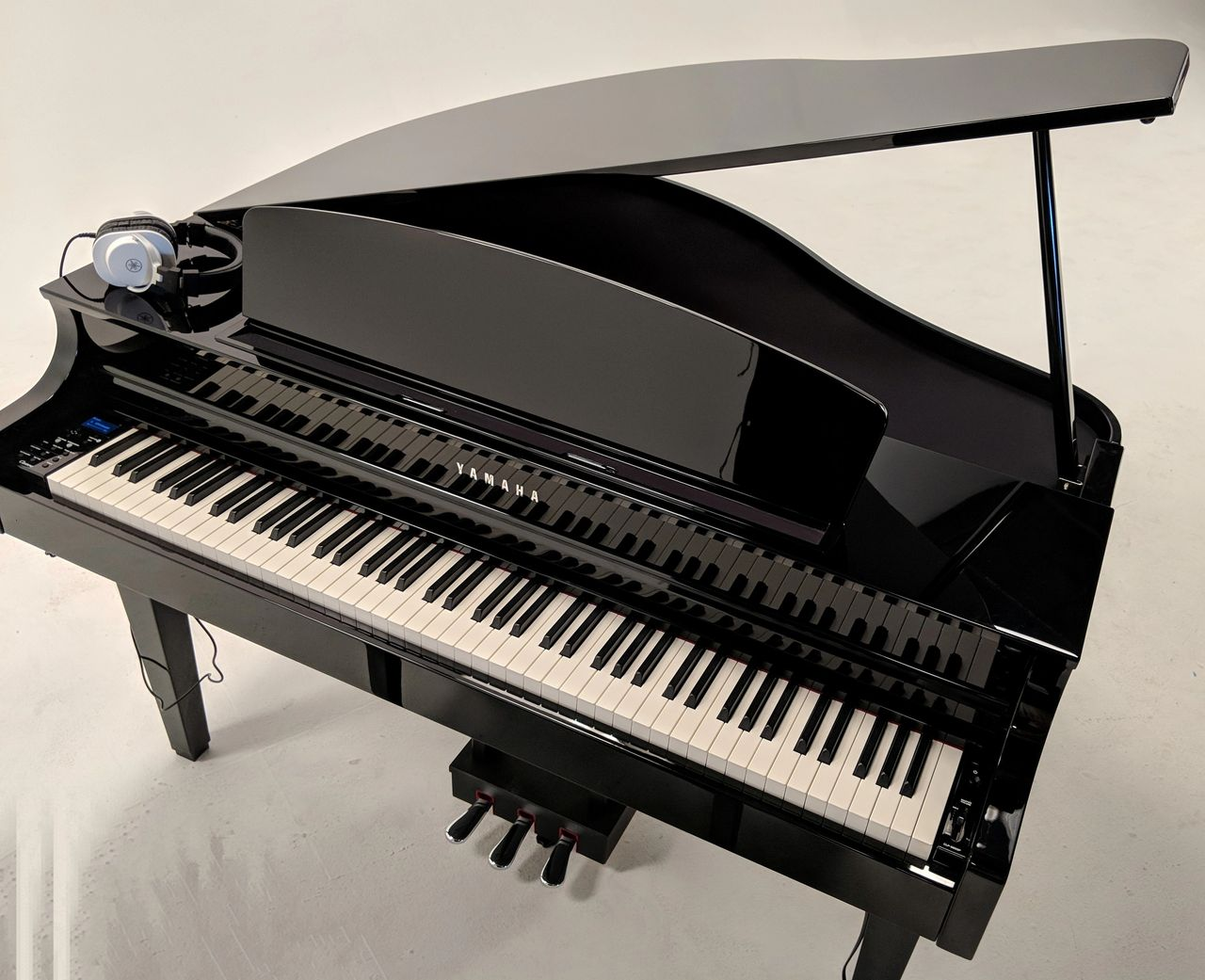 Yamaha CLP-765 digital grand piano