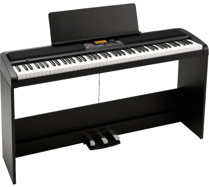 Korg XE20 (with stand & pedals)